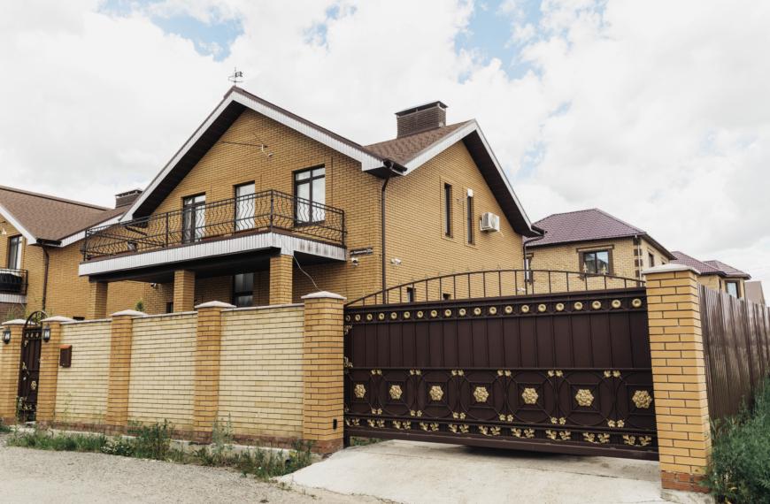 Дома 150 кв.м с балконами в п. Костантиновка