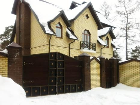 Дом в п.Боровое Матюшино 300 кв.м