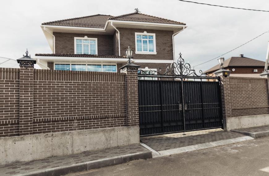 Дом 300 кв. м в п. Обухово, ул. Чехова